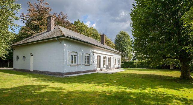 Villa te koop in Aartselaar